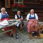 Sefa,Kathi und Marianne bei ihrer Lieblingsbeschäftigung
